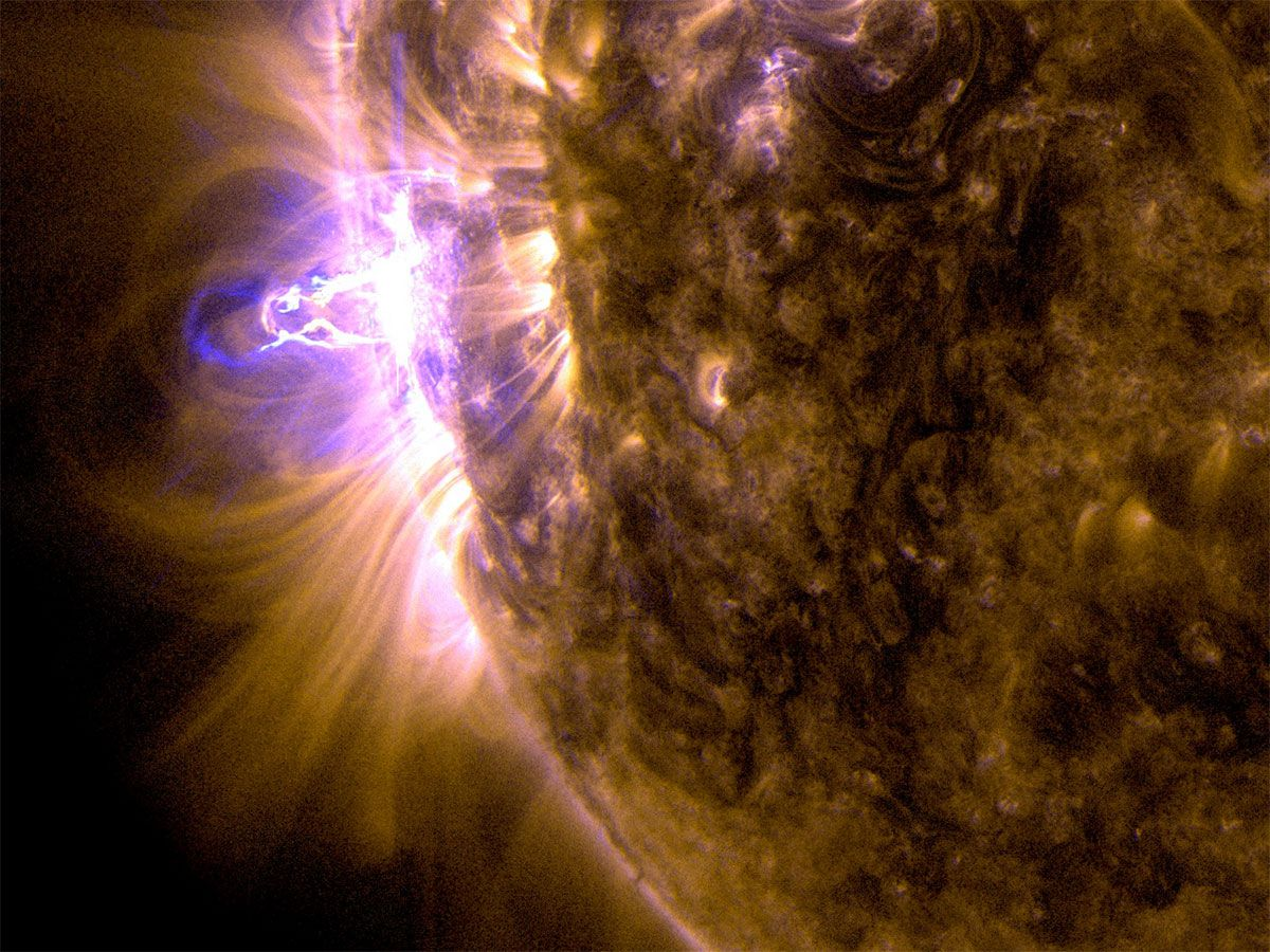 Solar flare composite image, ultraviolet light with wavelengths of 131 and 171 Angstroms